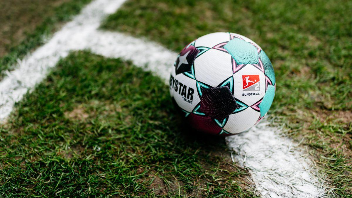 Derbystar Spielball 2. Bundesliga