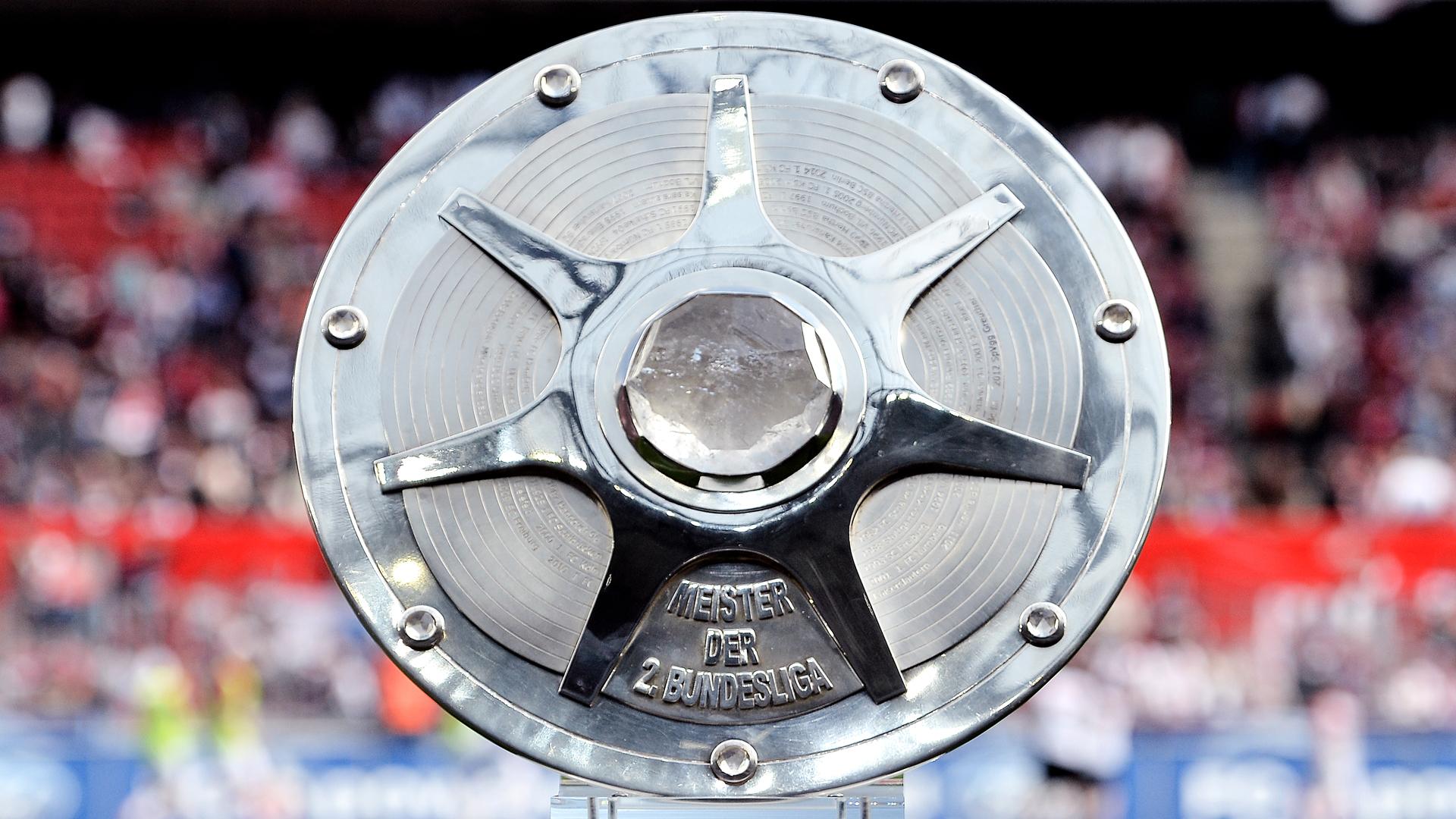Bundesliga 2 Meisterschale - EN - DFL Deutsche Fußball Liga GmbH
