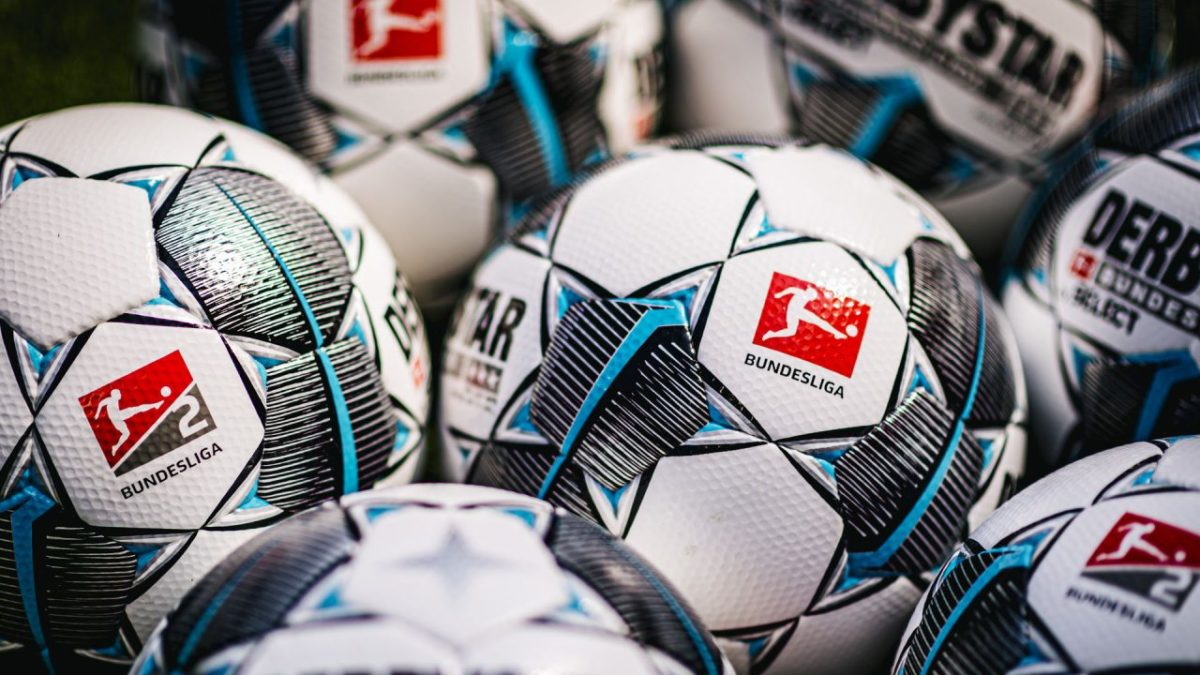 Match balls for Bundesliga and Bundesliga 2.
